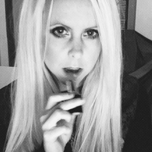 Ashka Helland's avatar