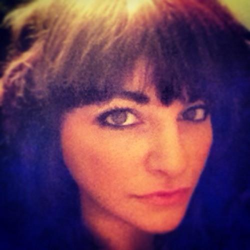 Angie Munro's avatar