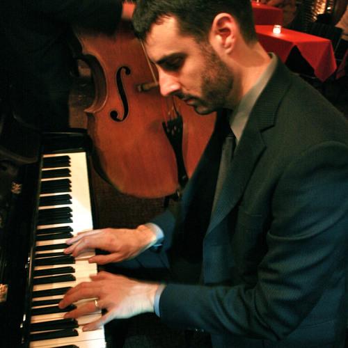 Benjamin Healy's avatar