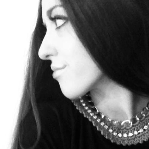 Carolina Oliveira's avatar