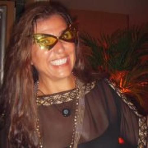 Iracema Araujo's avatar