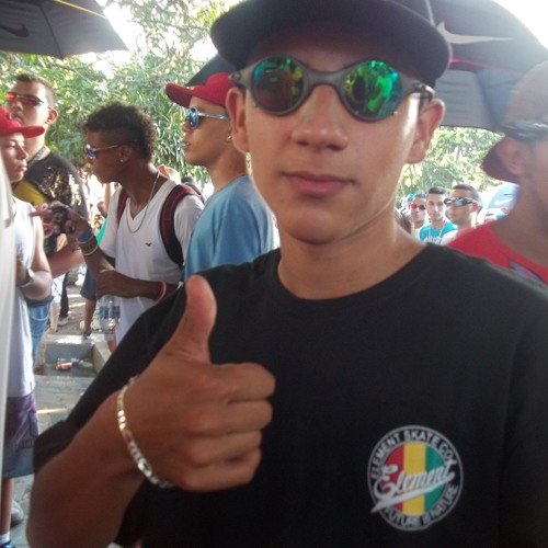 Bruno .H 13's avatar