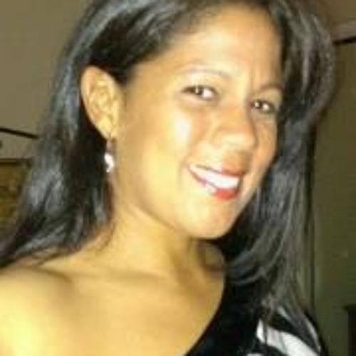 Mitzi H MunizBueno's avatar
