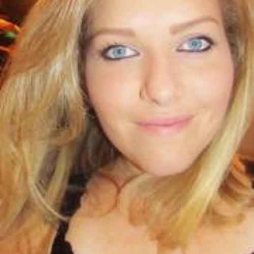 Danielly Soaress's avatar