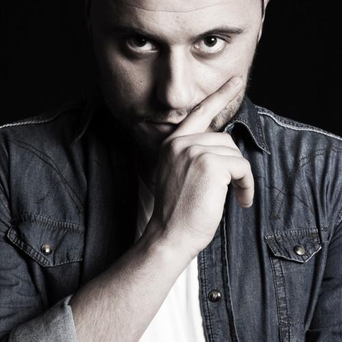 Roberto Cavicchioni's avatar