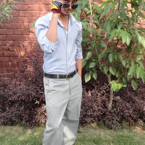 AdiL BhAtTi's avatar