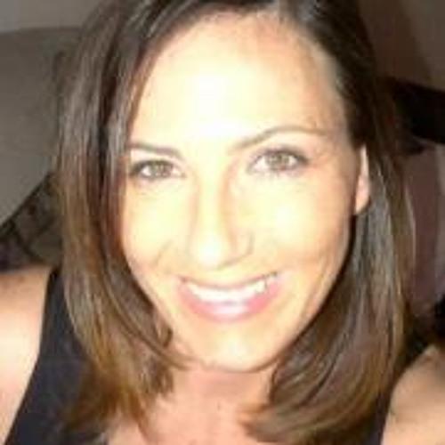 Tara Moore 3's avatar