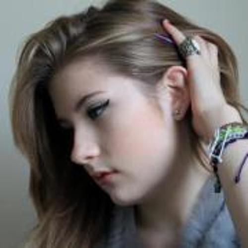 Flo Robinson's avatar
