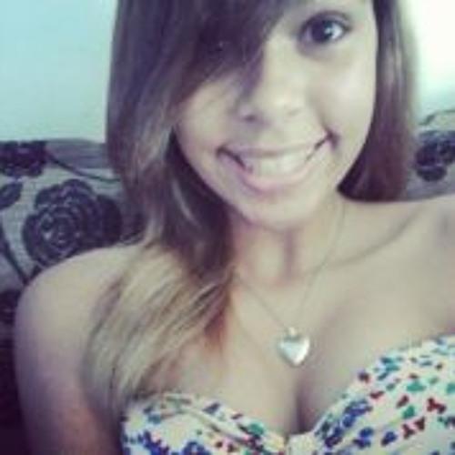 Caroline Alves 10's avatar