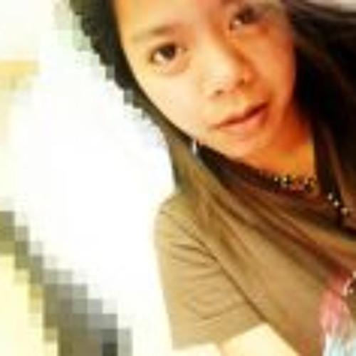 Pia Eleanor Santos's avatar