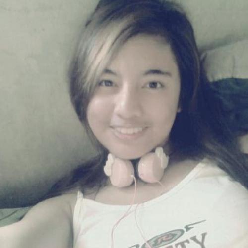 Queenie Marie Catubay's avatar