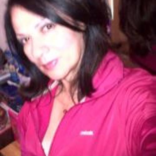 Miriam Zeneiba's avatar