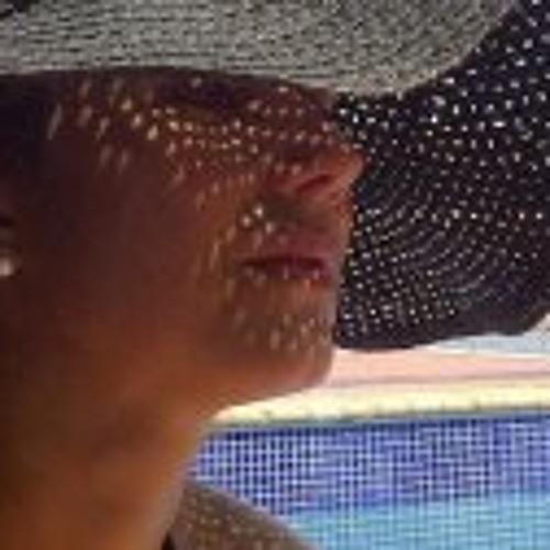 Regina Rangel's avatar