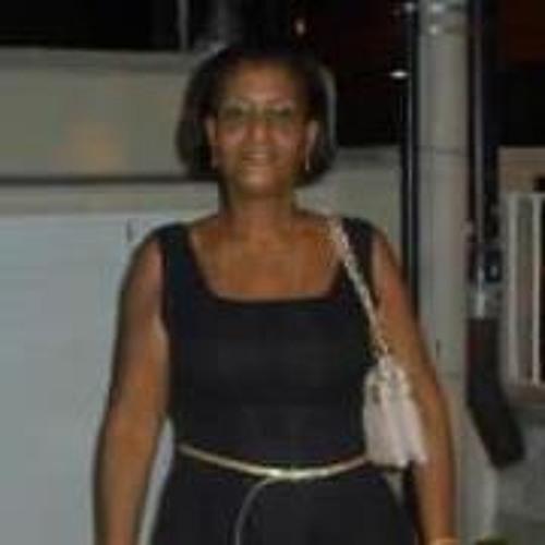 Beatriz Queiroga's avatar