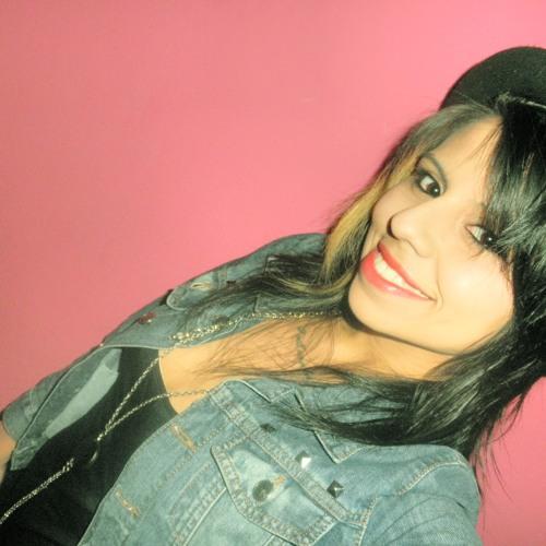 Lo Iriarte's avatar