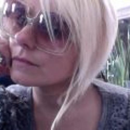 Mariana Del Valle's avatar