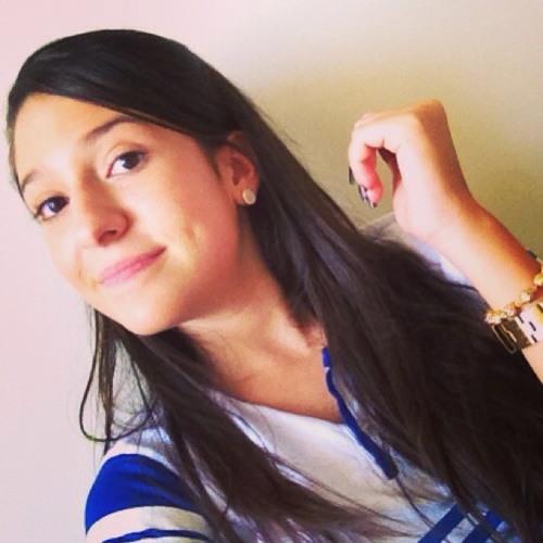 Carol Amado's avatar
