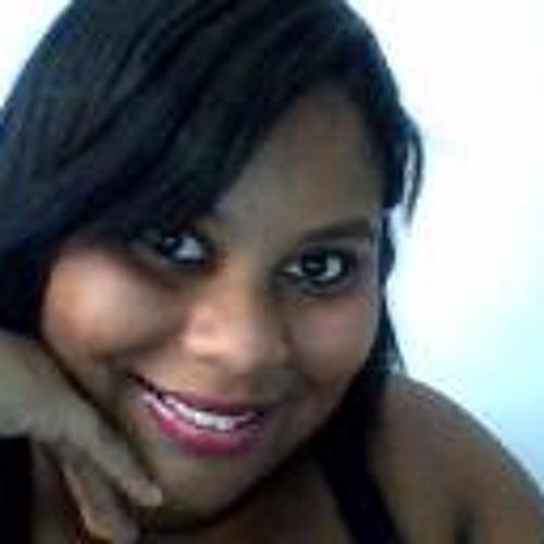 Maíra Damião's avatar
