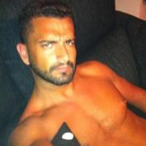 Richard Qtna Ctro's avatar