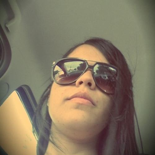 Amanda Góes's avatar