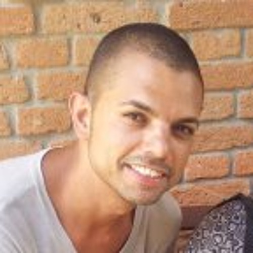 Roberto Andrade Jr.'s avatar