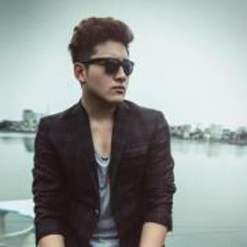 Huyn Woo's avatar