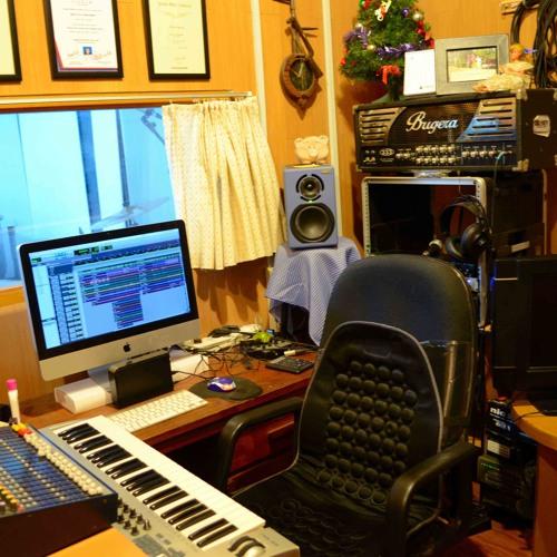 Quadosh Studio's avatar