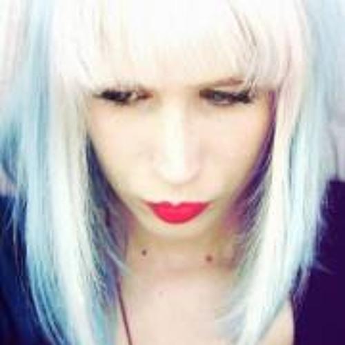 Marlize Violet Rei Eckard's avatar