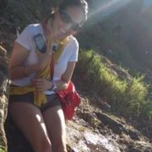 Erika Bombon Andrade's avatar