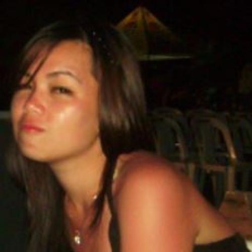 Nina Raphaela's avatar