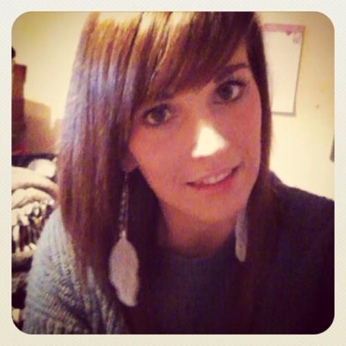 Kim Luscombe's avatar