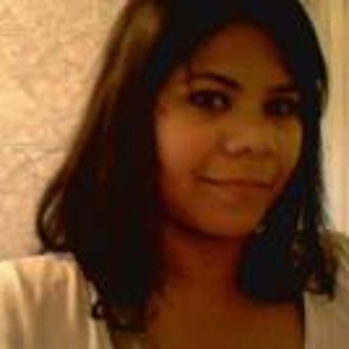 Rafaela Chris Carvalho's avatar