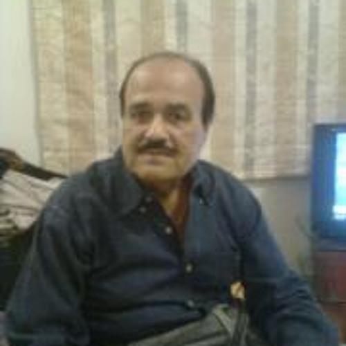 Nayab Kazmi's avatar