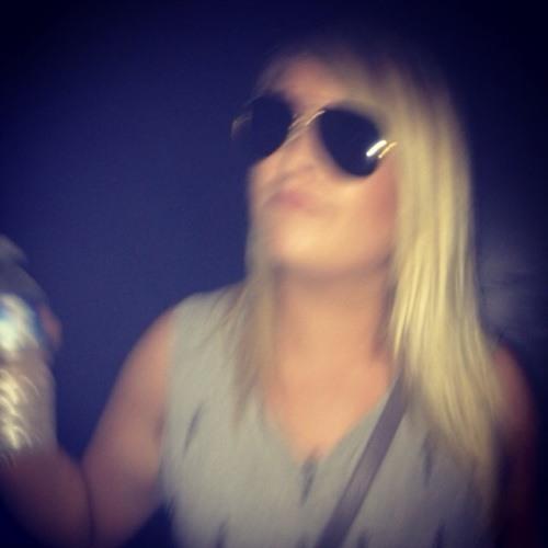 Lauren Thomas 19's avatar