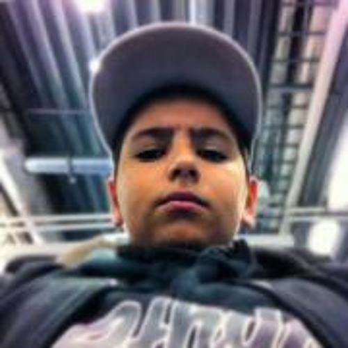 Arez Shwani's avatar