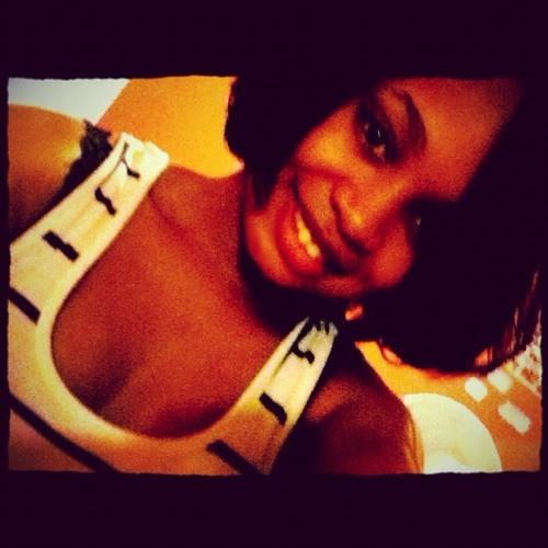 Candice Fontus's avatar