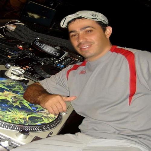 DJKbelloProduction2011-12's avatar