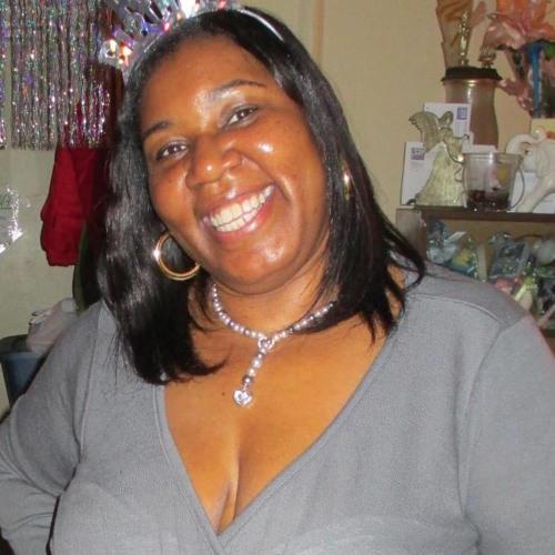 Evie Brown's avatar