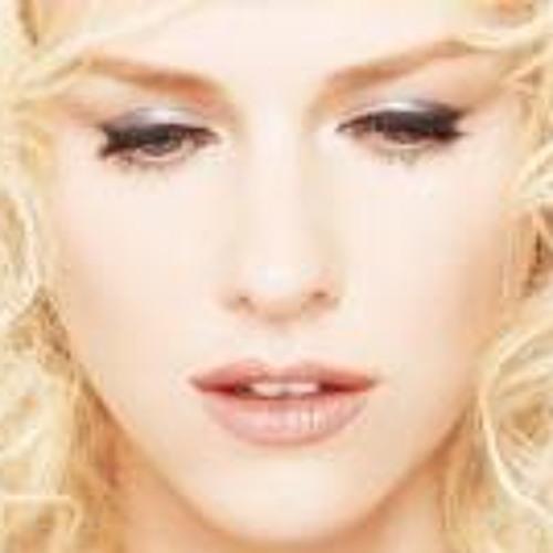 Amira Mohsen 1's avatar