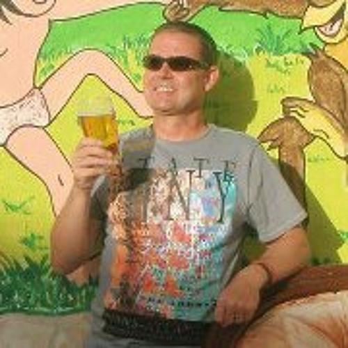 Neil Thomas 14's avatar