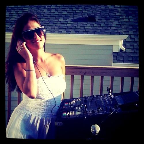 Karen Vega's avatar