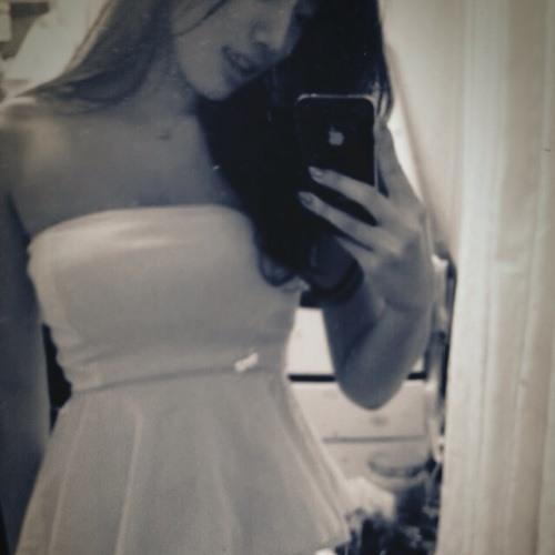 Brianna Bomin Song's avatar