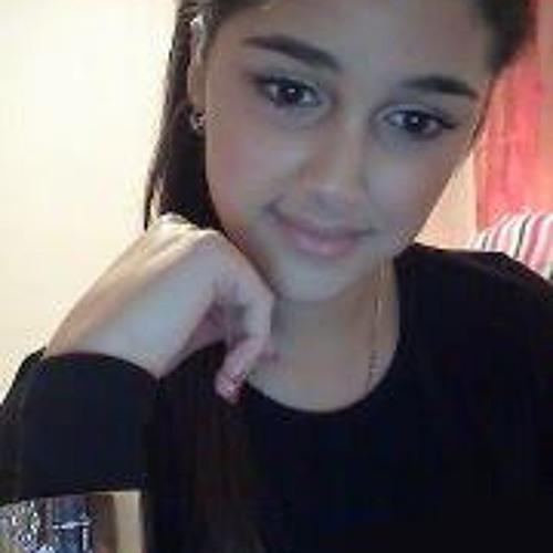 Lena Miranda's avatar