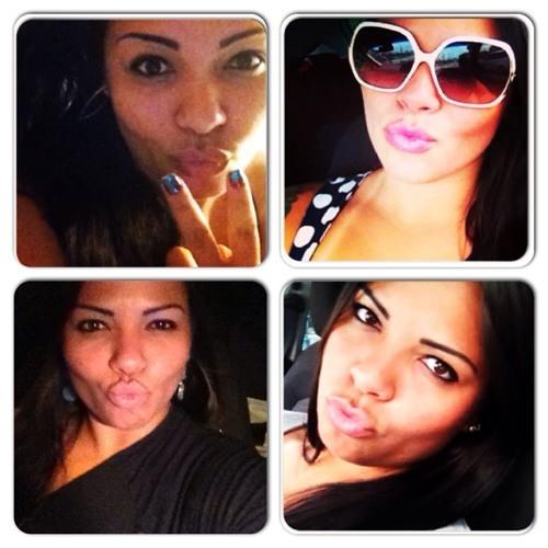 Andréa Souza's avatar