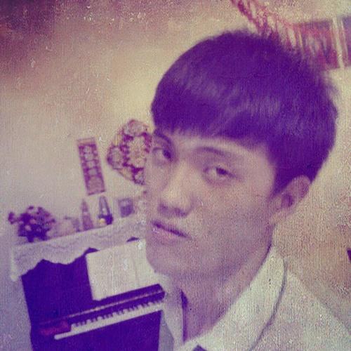 clovermoon94's avatar