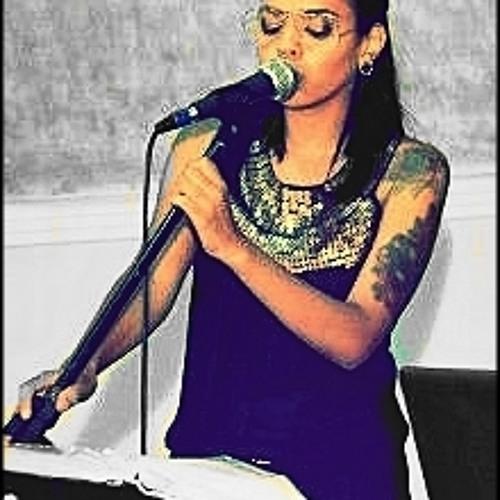 Mariane Monteiro's avatar