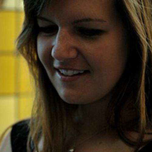 Laura Glyda's avatar