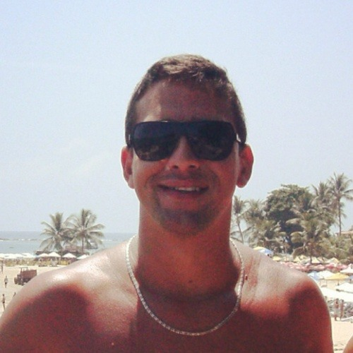 Vítor Henrique's avatar