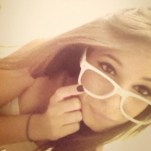 Paulina Lellos's avatar