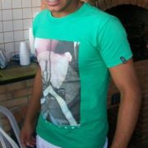 Elton Maior's avatar
